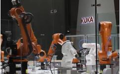 瑞仕格与KUKA联合展示未来智慧工厂